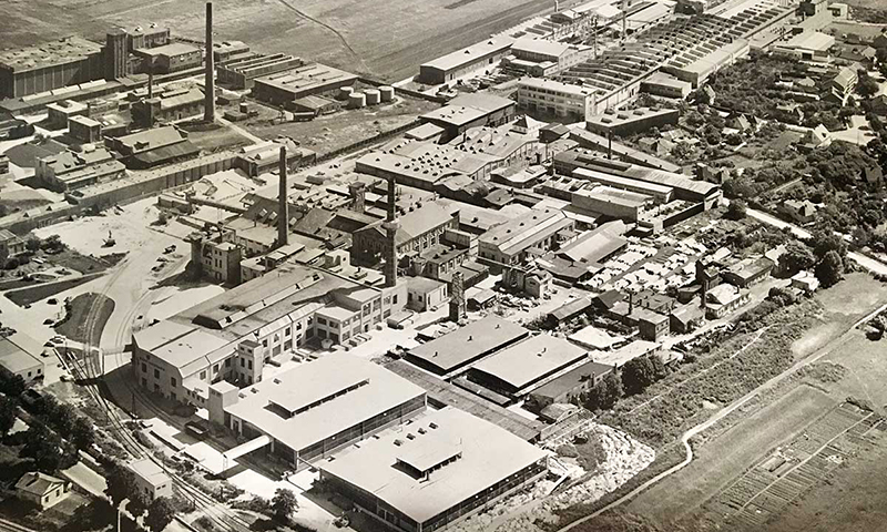 Glasfabrik 1945